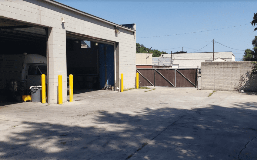 AUTO REPAIR for lease with fenced yard, CLEAN building! Available ASAP!!!!!