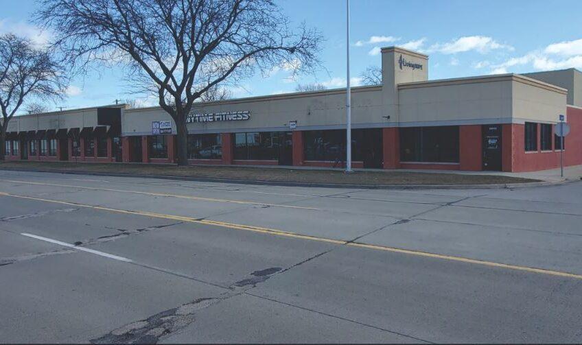 Starboard Shopping Center 24000 Harper Ave SCS
