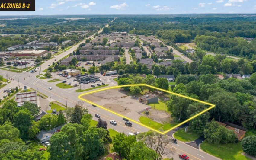 1.36 AC Zoned B-2 with 3200 SF building in Auburn Hills